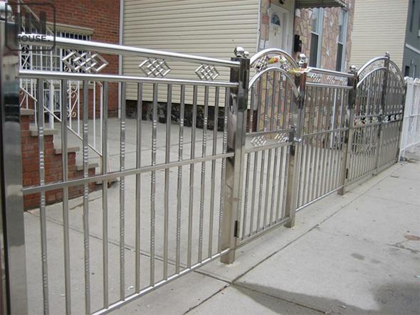 Xây dựng hàng rào bằng inox