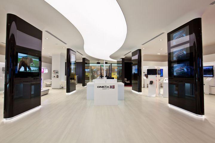 Không gian showroom thông thoáng (Ảnh: Internet)